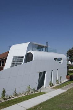 Moebius House by Tony Owen Partners | HomeDSGN