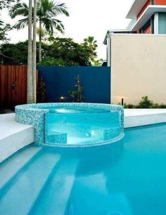 Glass hot tub in the pool.