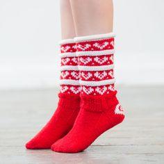 Julesokker - røde Socks, Gifts, Gift Ideas, Fashion, Threading, Moda, Presents, Fashion Styles, Sock