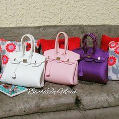 feitos por mim 🕶💅 #new #bags 👜👠💞🎒🕶❤ #barbiestyle #barbietopmodel #feitoamao #costura #lookdodia #lookoftheday #lookbook #fashionroyalty #moda #bolsa #couro #ellebrasil #ellemagazine #vogue #spfw #floral #topcropped #fashion #moda #stylish #stylist #louisvuitton #coach #feitaparamexer #suede