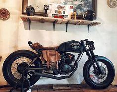 "270 curtidas, 1 comentários - Classic Modification (@classic_modification) no Instagram: ""By @oldman.co  Small engine terror! . . . . #classic_modification #dropmoto #saint_motors…"""