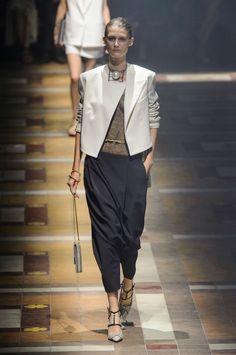 58 photos of Lanvin at Paris Fashion Week Spring 2015.