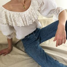 Vintage beautiful cotton lace balloon sleeve wide collar blouse.