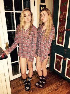 Best Friend Pictures, Tumblr Girls, Bestfriends, Hippy, We Heart It, Hot Girls, Twins, Blouse, Cute