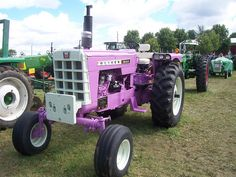 Oliver tractor model 1850 by WD45, via Flickr