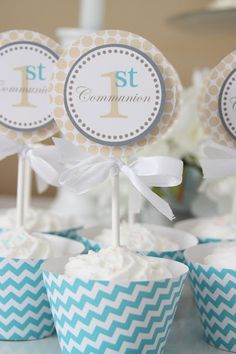 to ] Great to own a Ray-Ban sunglasses as summer gift.Fashion and Vintage styles. First Communion Cakes, Communion Gifts, First Holy Communion, I Party, Party Time, Cupcakes, Cupcake Cakes, Wow Products, Kids Meals