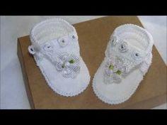 Passo a passo Sapatinho de Crochê Menina Flor - YouTube