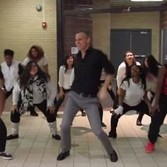 "Pin for Later: Glee Comes to Life Thanks to ""Uptown Funk"" and 1 School's Awesome Theater Teacher"