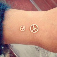 Peace from Redline!!  #redlinediamond #rubinotw #peace #paris #pfw