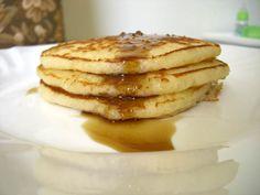 Voici une recette particulièrement simple (pas de beurre fondu, pas de blancs en neige, l'oeuf est en entier...) et absolument parfaite ! ...