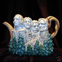 Fitz & Floyd Collectible Teapots, The Mount Rushmore teapot was introduced in 1996 Ceramic Teapots, Ceramic Pottery, Tea Cup Saucer, Tea Cups, Cute Teapot, Teapots Unique, Teapots And Cups, Tea Art, Chocolate Pots