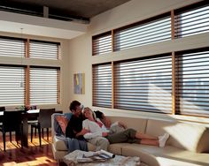 Enjoy the casual comfort of your home with those your love. Create this comfort with the soft light control of Silhouette® window shadings. ♦ Hunter Douglas window treatments #LivingRoom
