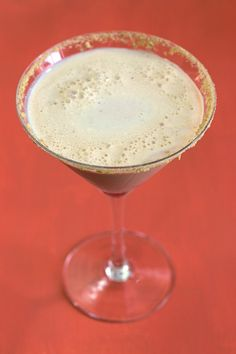 The Pumpkin Pie Martini is ideal for autumn, but delicious for any time. It blends the flavors of vanilla and white chocolate with pumpkin and nutmeg, and has a graham cracker rim just to finish off the flavor to perfection.