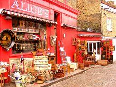 Shop on Portobello Road Notting Hill, London, England, GB.