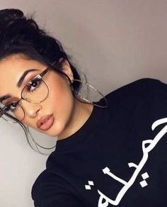 Makeup Artist ^^ | https://pinterest.com/makeupartist4ever/  These cute prescription glasses are so perfect!