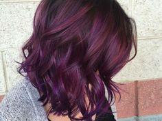 El cabello arcoíris es una tendencia que llegó para quedarse. Sin embargo, hay colores que le van mejor a nuestro cabello y tono de piel. Aquí te dejamos unas ideas que a las morenas nos van fenomenales: