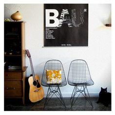 Eames wire chair😍 Whatsapp or Call: 📞 71776716 ---------------------------------------------------- . Interior Styling, Interior Decorating, Interior Design, Eames, Chaise Eiffel, Luxury Furniture, Furniture Design, Wire Chair, House Design