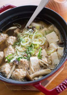 豚団子ときのこのおかずスープ by tomoko 「写真がきれい」×「つくりやすい」×「美味しい」お料理と出会えるレシピサイト「Nadia | ナディア」プロの料理を無料で検索。実用的な節約簡単レシピからおもてなしレシピまで。有名レシピブロガーの料理動画も満載!お気に入りのレシピが保存できるSNS。