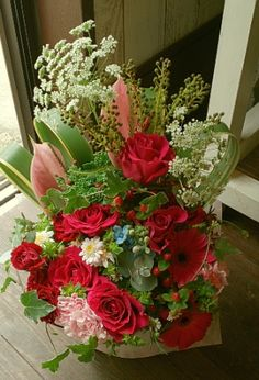 花ギフトのプレゼント【BFM】  濃いピンクのハーモニー  そんなフラワーアレンジメント http://www.basketflowermarkets.com