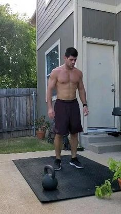 Kettlebell Workout Routines, Emom Workout, Full Body Hiit Workout, Kettlebell Training, Gym Workout Videos, Weight Training Workouts, Gym Workout For Beginners, Dumbbell Workout, Gym Workouts