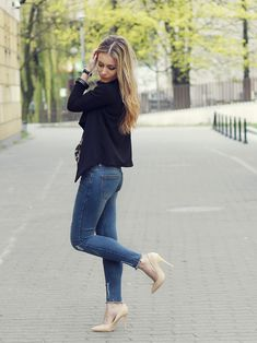 Discover this look wearing Blue Sheinside Jeans - simple by pannajoannak styled for Sexy, Cocktail Dope Fashion, Denim Fashion, Girl Fashion, Fashion Outfits, Womens Fashion, Black Blazer With Jeans, Jeans With Heels, Blazer Jeans, Blazers