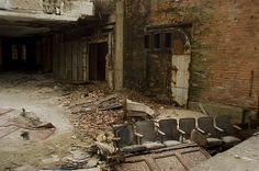 abandoned theater by wendyyalas, via Flickr
