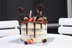 Oreo addict, oreo, strawberries, naked cake