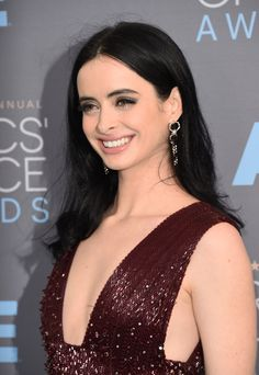 Krysten Ritter Photos Photos - Actress Krysten Ritter attends the 21st Annual Critics' Choice Awards at Barker Hangar on January 17, 2016 in Santa Monica, California. - The 21st Annual Critics' Choice Awards - Arrivals