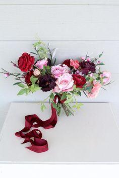 Red and Purple Wedding Ideas to Consider – MyPerfectWedding Light Pink Flowers, Purple Roses, Purple Flowers, Silk Flowers, Jewel Tone Wedding, Purple Wedding, Maroon Wedding, Burgundy Bouquet, Flower Bouquet Wedding