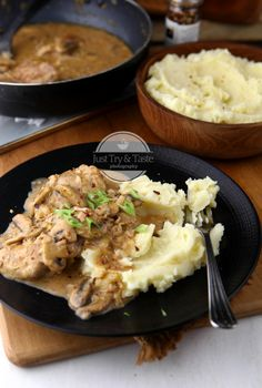 Creamy Mushroom Sauce, Creamy Mushrooms, Stuffed Mushrooms, Meat Recipes, Chicken Recipes, Healthy Recipes, Healthy Food, Indonesian Cuisine, Food Tasting