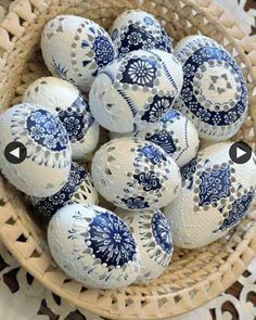 The girl has been decorating eggs for 70 years: her honest handwork … - Frohe Ostern Carved Eggs, Easter Egg Designs, Diy Ostern, Ukrainian Easter Eggs, Easter Egg Crafts, Egg Art, Shell Crafts, Egg Decorating, Deco Table