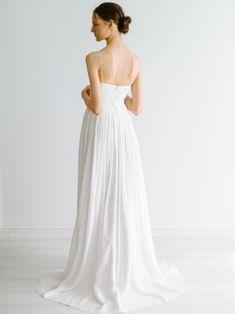 Loen – Tuva Listau Pretty Dresses, Backless, Elegant, Wedding Dresses, Inspiration, Fashion, Classy, Bride Gowns, Cute Dresses