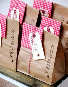 Christmas gift wrapping ideas ToniK ⓦⓡⓐⓟ ⓘⓣ ⓤⓟ Cookie gifts packaging angelinasfreudentanz.blogspot.com