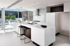 Design Tip – Make A Kitchen Island Float By Using A Dark Recessed Base - http://www.interiordesign2014.com/architecture/design-tip-make-a-kitchen-island-float-by-using-a-dark-recessed-base/