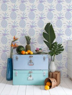 Lilac Piña pineapple wallpaper by Aimée Wilder /// More on Interiorator.com