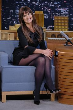Katie Holmes Photos - Actress Katie Holmes visits 'The Tonight Show Starring Jimmy Fallon' at Rockefeller Center on December 2016 in New York City. - Katie Holmes Visits 'The Tonight Show Starring Jimmy Fallon' Pantyhose Outfits, Black Pantyhose, Black Tights, Black Stockings Outfit, Tights Outfit, Nylons, Katie Holmes, Chloe Grace Moretz, Beautiful Legs