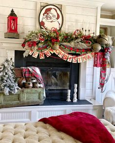 Baby It's Cold Outside: 25 Christmas Mantel Ideas For Winter Warmth If you have a fireplace in your home, the mantel should be adorned with Christmas decorations to help make your home feel warm and festive. Christmas Fireplace, Farmhouse Christmas Decor, Christmas Mantels, Outdoor Christmas Decorations, Country Christmas, Christmas Wreaths, Christmas Villages, Fireplace Mantel, Christmas Ornaments