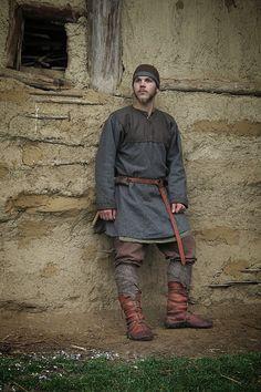 Pin by Ken Bain on viking Viking Cosplay, Viking Garb, Viking Reenactment, Viking Men, Viking Dress, Viking Warrior, Medieval Costume, Mens Viking Costume, Viking Pants
