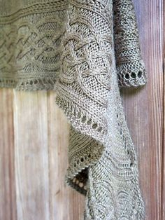 Shawl Patterns 74731675053449304 - Elegant, classy, simple, gorgeous and free! The Celtic cables shawl pattern conveniently has hints for customizing the size. Source by yvonneprovence Mode Crochet, Knit Or Crochet, Lace Knitting, Crochet Shawl, Knitting Scarves, Finger Knitting, Knit Cowl, Crochet Bikini, Free Knit Shawl Patterns