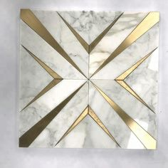 Calacatta White Marble Wasserstrahl Mosaik Gold Metall Messing Inlay Fliese Kaufen Sie Gold M Marble Mosaic, Marble Floor, Mosaic Tiles, Floor Patterns, Mosaic Patterns, Floor Design, Wall Design, Marble Design Floor, Granite Flooring