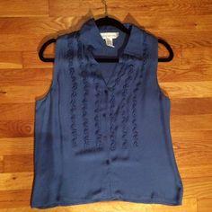 Jones New York 100% Silk 6 Size 6 , 100% silk , blue color , sleeveless Jones New York Tops