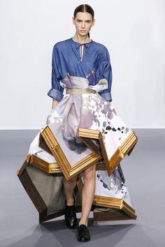 Viktor & Rolf Fall/Winter 2015-2016 Fashion Show