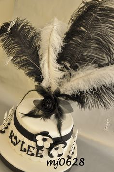 1920's Ruffled Dress - Hollywood Themed Cake Hollywood Dress, Hollywood Star, 1920s Cake, Glamour Cake, 40th Birthday Cakes, Birthday Ideas, Hat Cake, Cakes For Women, Mystery Parties