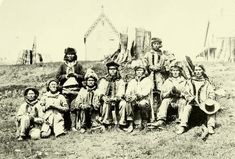 Source: Book In this photo, a typical native family is shown. In the the government of Canada started to assimilate native people. Native American Genocide, Native American Tribes, Native American History, Native Americans, Grizzly Bear Habitat, Enlarge Photos, Canadian History, Historical Images, Native Indian