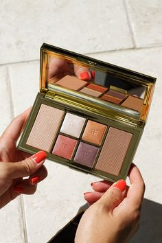 Tom Ford Shade Illuminate Face Eye Palette Red Harness Eye Color, Lip Colors, Mac Mineralize Skinfinish, Tom Ford Lipstick, Eye Palettes, Glow Foundation, Tom Ford Beauty, Big Lips, Moisturizer With Spf