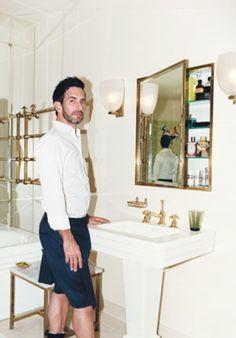 style-advice-rules-of-style-201009-groom<em>marcjacobs</em>VArticle.jpg