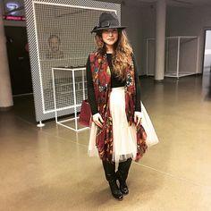 Szampańska tiulowka na zimowo ❤️ #radzka #vlogerka #fashionvlogger #youtuberka #moda #fashion #ootd #strojdnia #tutu #skirt #retro #loveretro #vintage #hat #kapelusznik #kapelusz #scarf #motyle #fanfaronada #zarapictures #zaraworld #vagabondshoes #girly #longhair #polishgirl #happy