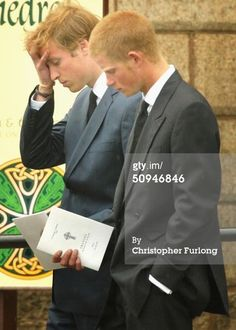News Photo : Prince William and Prince Harry follow the coffin...