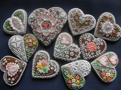 srdíčka k narozeninám Valentine Cookies, Holiday Cookies, European Countries, Cross Stitch Designs, Czech Republic, Gingerbread Cookies, Needlepoint, Easter Eggs, Cakes