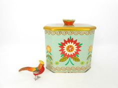 Baret Ware Biscuit Tin  Colorful Floral by My3LuvBugsVintage